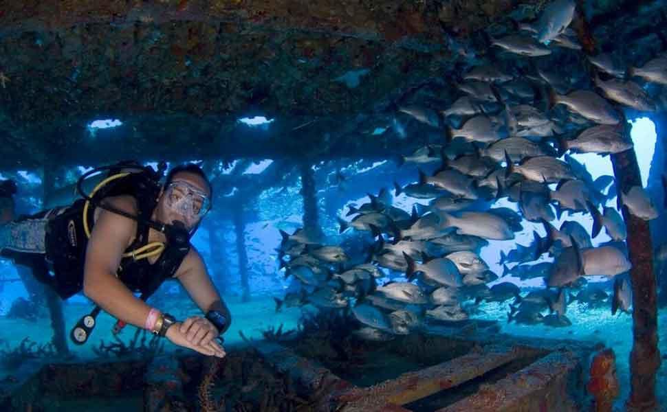 Wreck diving in Cancun